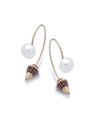 Orecchini curvi con perle e zirconi | Gioielleria Caruso Napoli