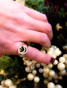 anello chevalier smile con brillanti | Gioielleria Caruso Napoli