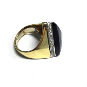 Anello in oro bianco con diamanti e onice | Gioielleria Caruso Napoli